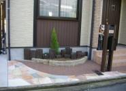 枕木を使った花壇スペース