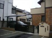 笠木がかわいらしい門柱とアプローチ メーカー様下請工事 須磨 M様邸
